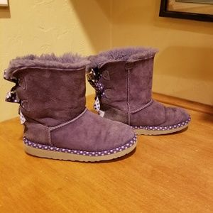 Ugg Bailey Bow boots size 1 or 2